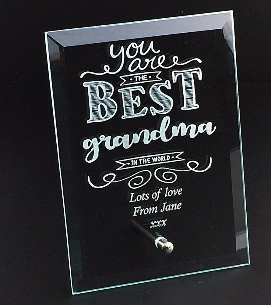 Best Grandma In The World Personalised Engraved Glass Plaque - ukgiftstoreonline