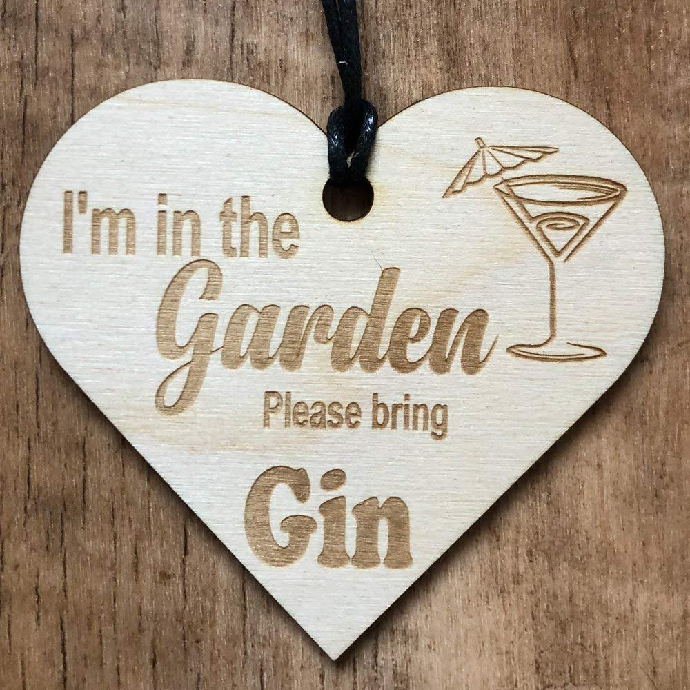 I'm in the garden please bring gin Wooden Plaque Gift - ukgiftstoreonline
