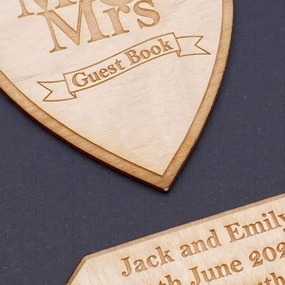 ukgiftstoreonline Personalised Black Wedding Guest Book Wooden Engraving Mr and Mrs - ukgiftstoreonline