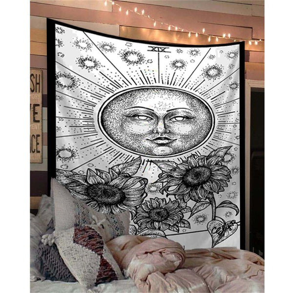 black-and-white-the-sun-tarot-tapestry