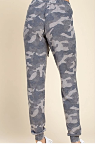 Camo Joggers - Blush Boutique