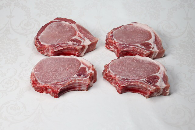 Pastured Pork - Bone-in Chops (1 lb)