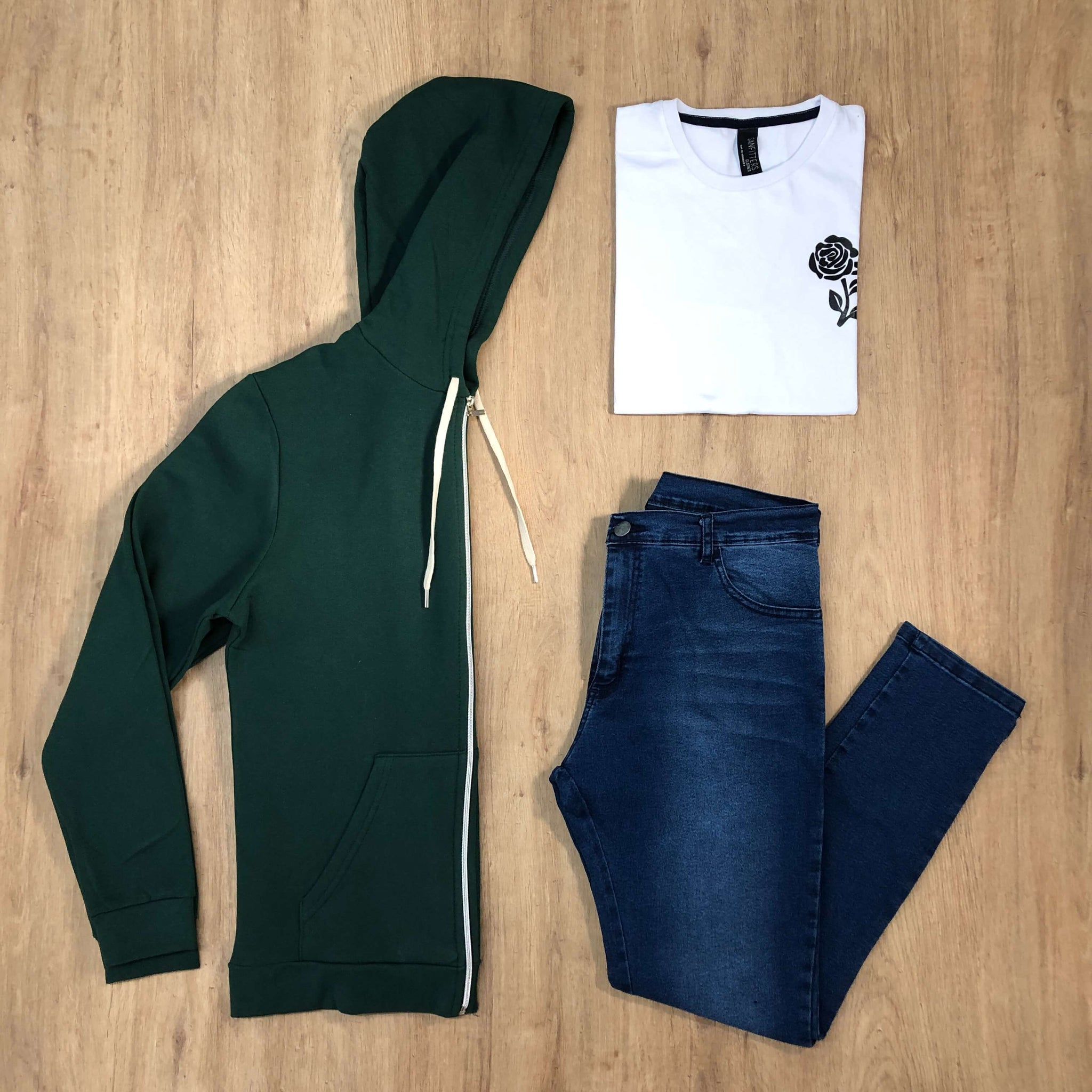 Outfit 524 - Jean Blue - Campera Green - Remera Est basic