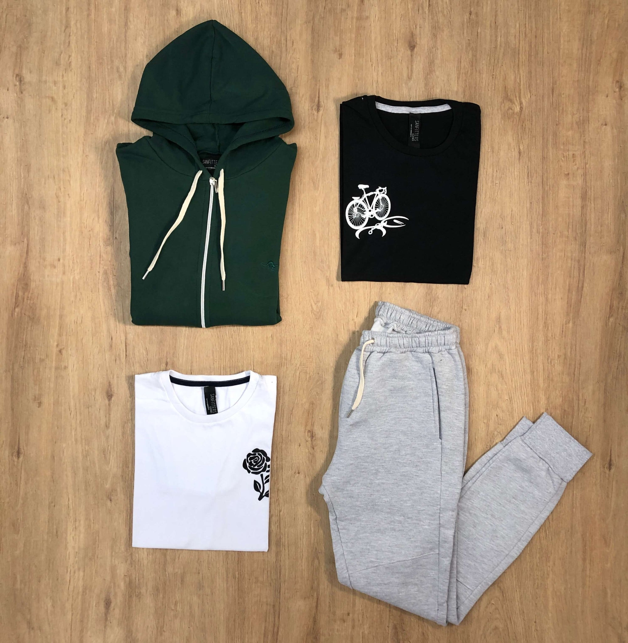 Outfit 526 - Jogger Mel - Campera Green - Remera Est basic - Remera Black Est