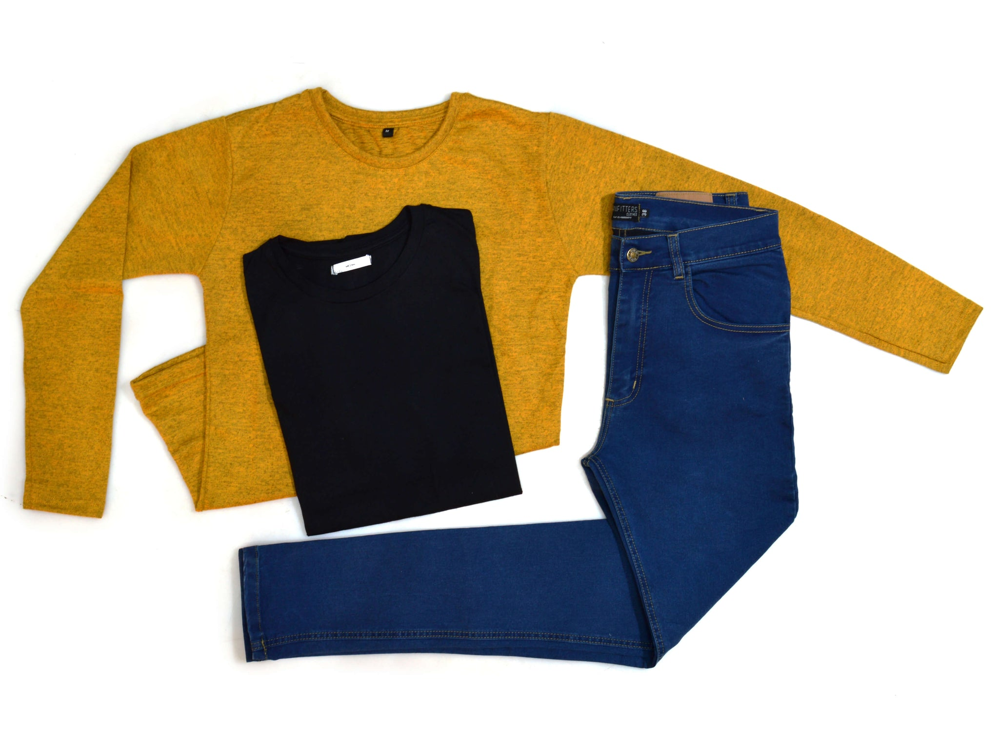 Outfit 434 - Jean Blue - Sweater Mostaza - Remera Black