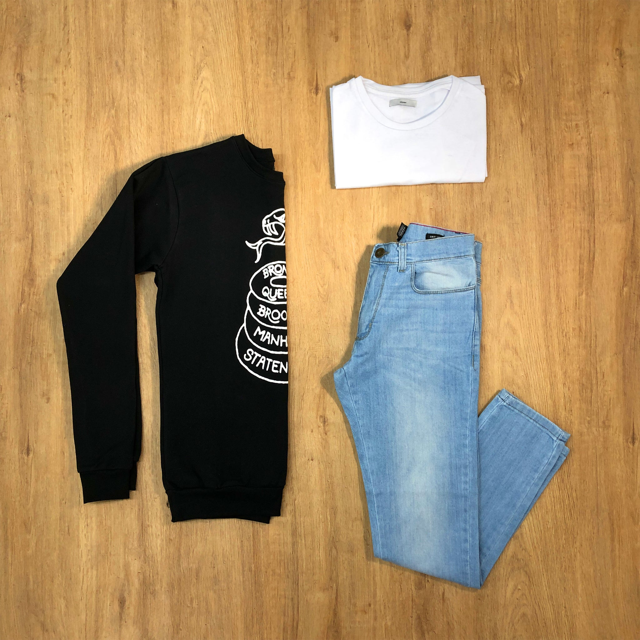 Outfit 395 - Jean Clar - Buzo Black - Remera Basic