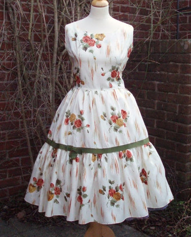 1950s Vintage Tiered Rose Dress with Olive Green Trim