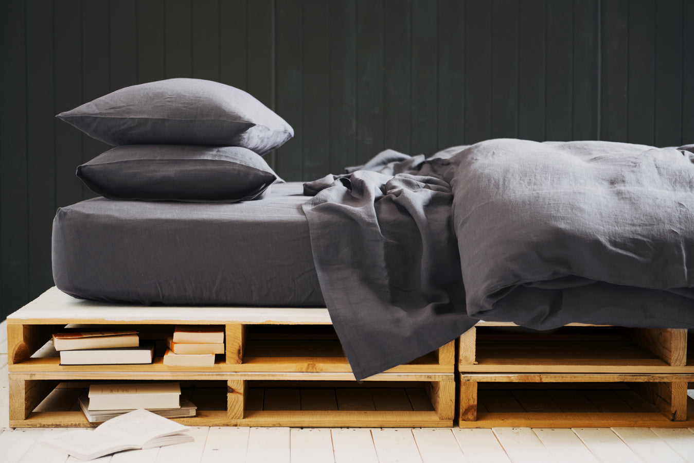 Flat Sheets in Gun Grey