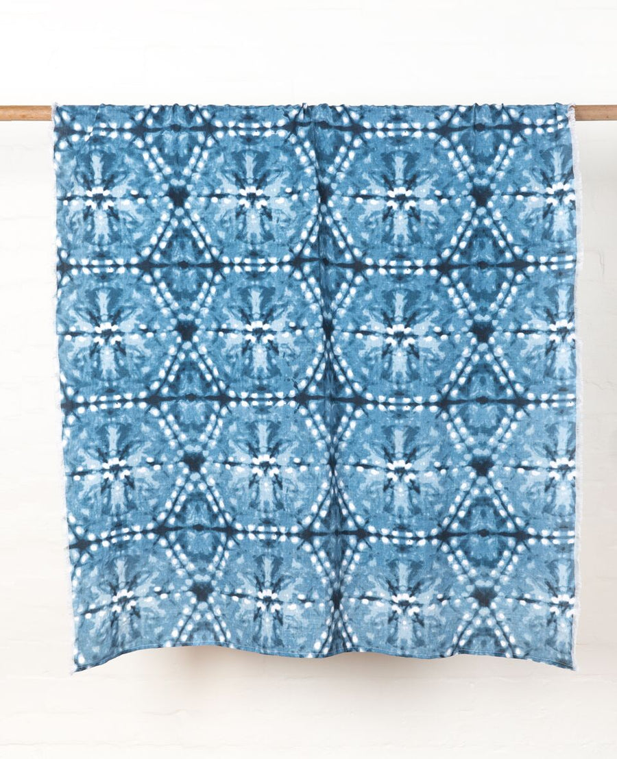 Major Minor - Throw on bed, Shibori