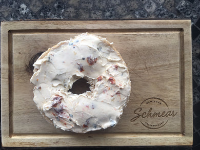 Sundried Tomato & Basil Cream Cheese (180g)