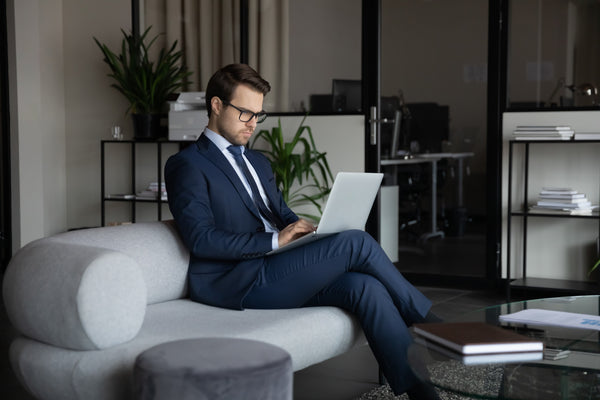 suit-with-laptop