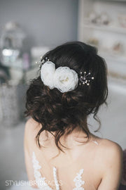 Maya | Bridal hair comb pearl and flowers - StylishBrideAccs