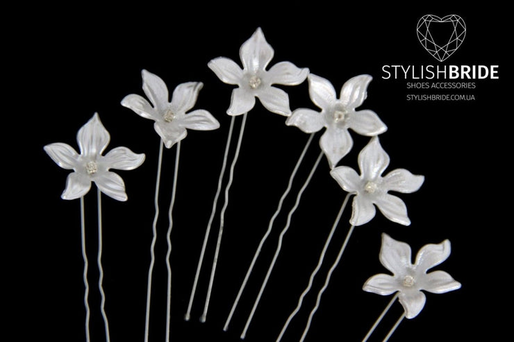 Wedding White Floral Hair Pins, Pearl Hair Pins, Wedding Hair Accessories, Bridesmaid White Hair Accessory, Crystal Pearl White Hair Grips - StylishBrideAccs