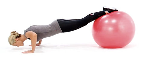 exercices-pompes-swiss-ball