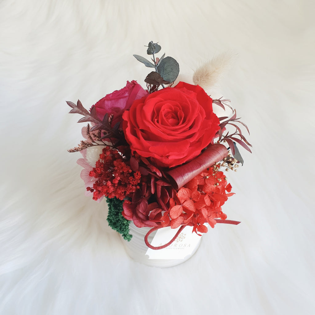 preserved flowers sydney, preserved roses sydney, forever roses, long lasting roses, luxury roses, infinity roses, cotton, red rose
