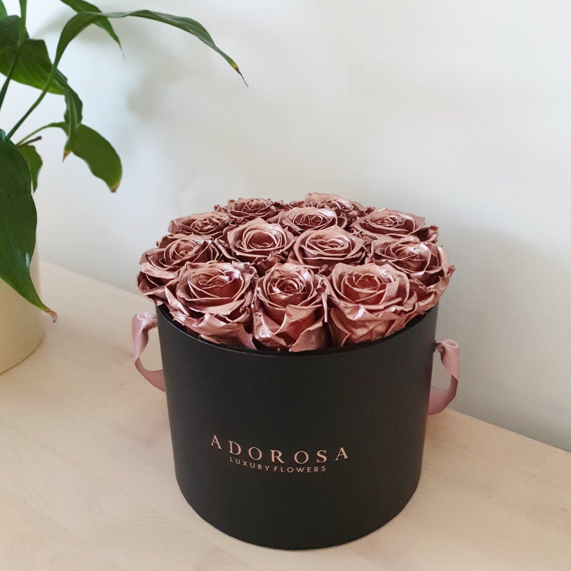 rose gold roses, metallic rose gold, rose box, rose box sydney, preserved roses, long lasting roses, eternity roses