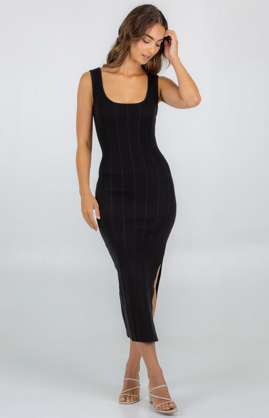 Wide Rib Textured Knit Dress With Side Split - Black