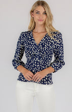 Printed V-Neckline 3/4 Sleeve Top