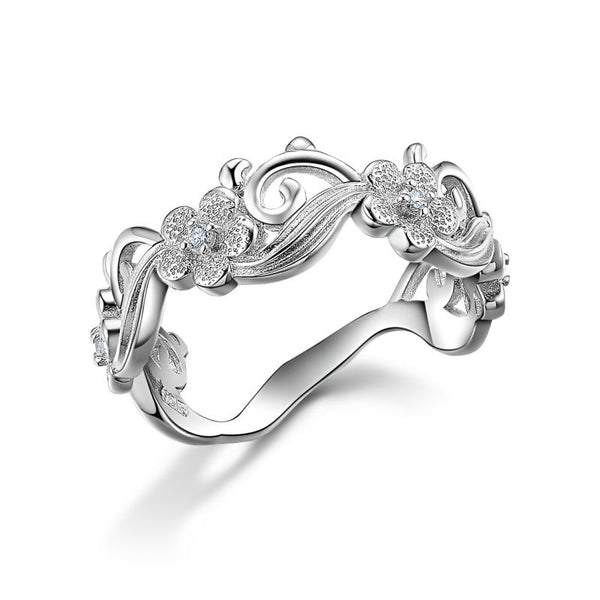Beautiful Vintage Flower Design Ring on Sterling Silver 1052