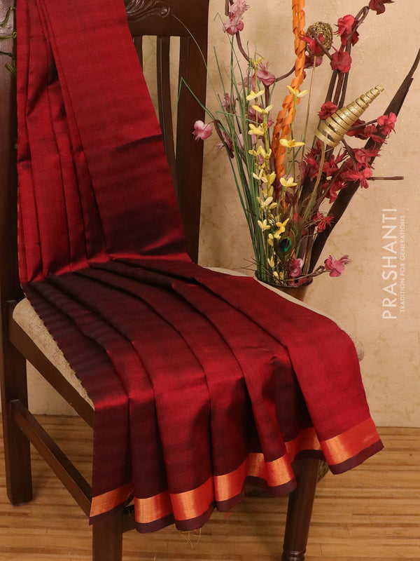 Silk cotton partly saree maroon and green plain body with checked pallu and blouse