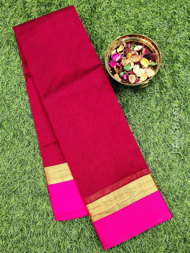 South kota saree maroon and pink with simple border and self emboss pattern