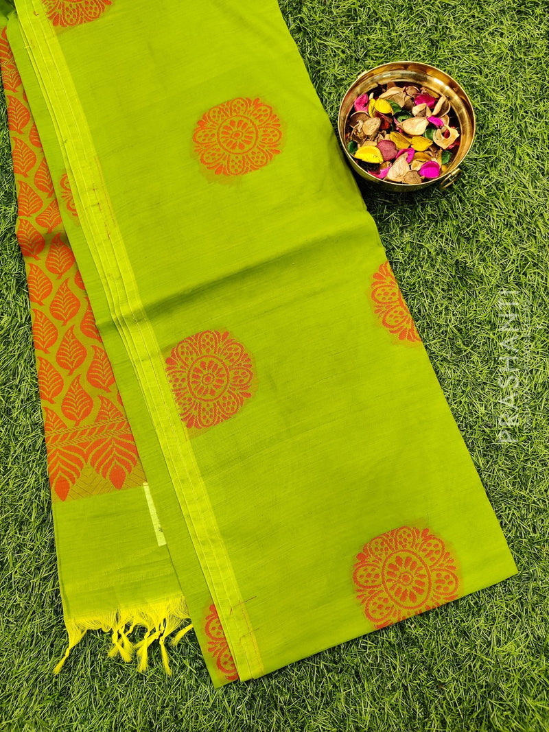 South kota saree green with thread buttas in borderless style