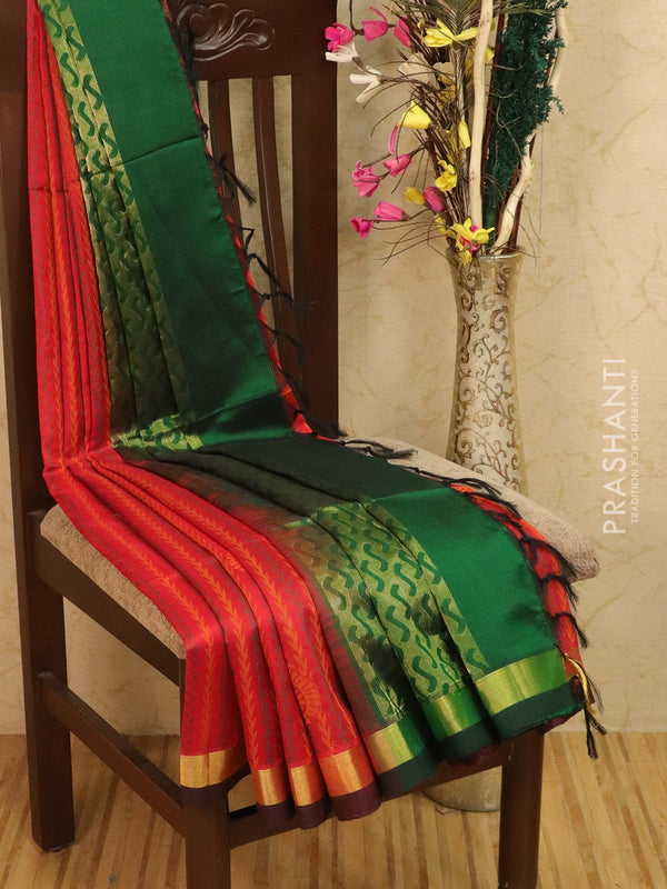 Light weight silk cotton saree red and green with thread woven pattern and rich pallu