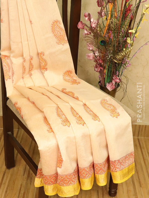 Chanderi bagru saree cream with paisley butta prints and maheswari border
