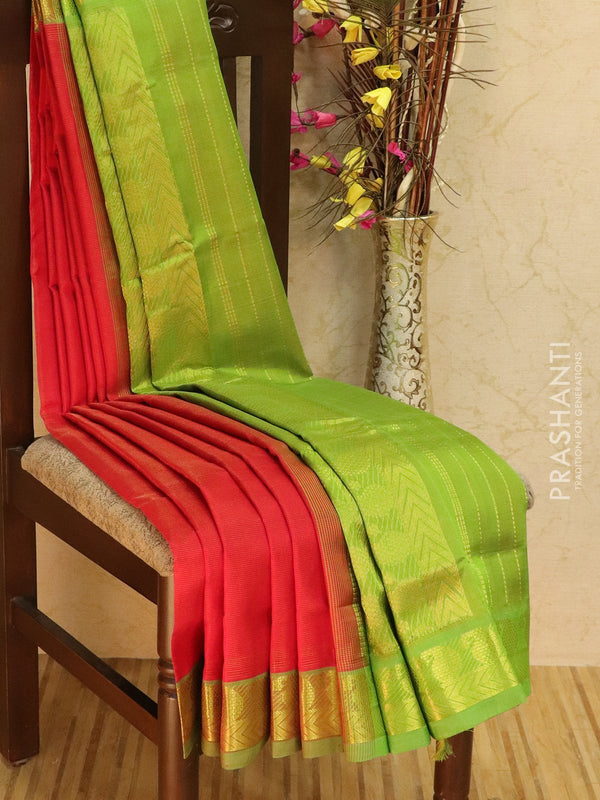 10 yards silk cotton saree red and green vairaosi with traditional zari woven border