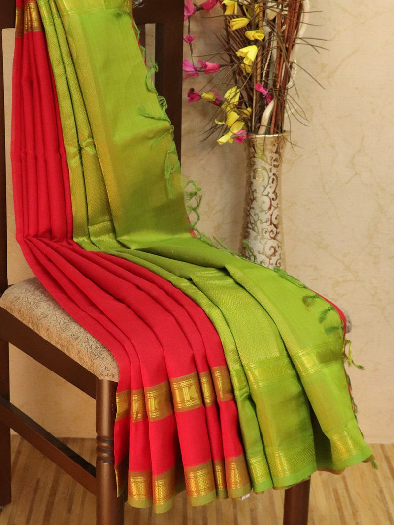 10 yards silk cotton saree red and green with rettapet zari border