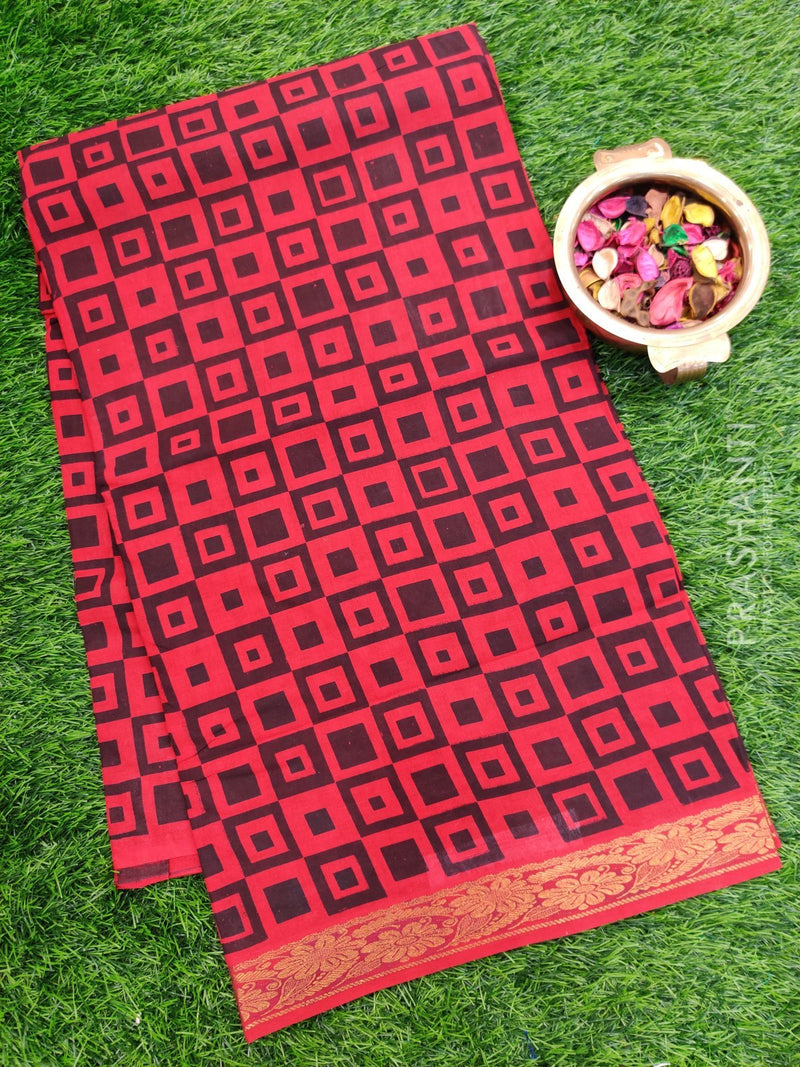 Sungudi cotton saree maroon with all over prints and golden zari border