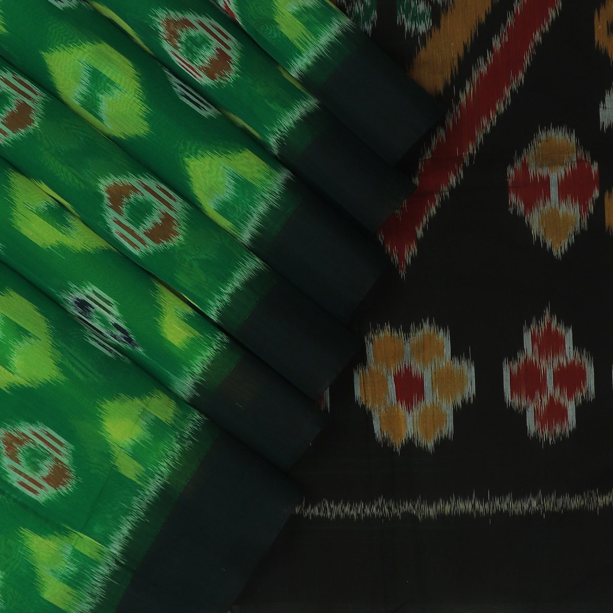 Kora silk Cotton saree Green and Black with Ikkat prints and Simple Border