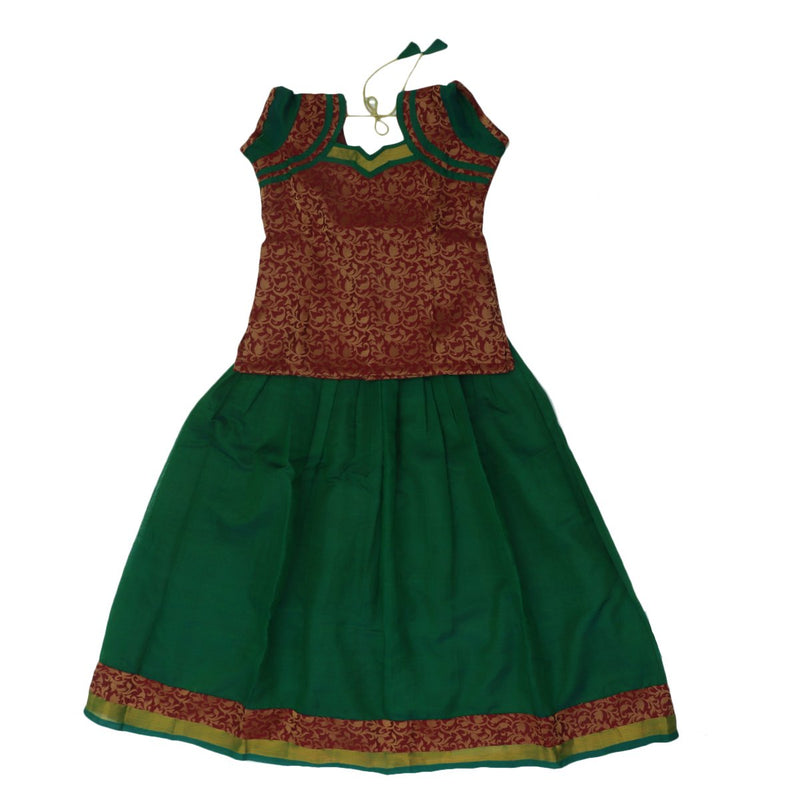 Paavadai Sattai-Maroon with zari Embossed and Green with Zari border(10 years)