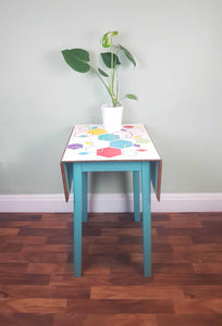Vinyl hexagon design retro kitchen table
