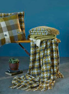 Bronte by Moon Gold & Grey Houndstooth Throw