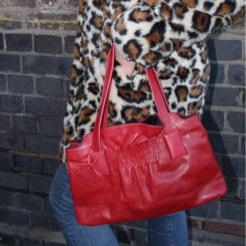 Victoria Medium Clipframe bag in Red Leather