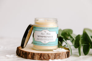 MOMPRENEUR - Warm Vanilla Sugar beeswax candle - Countryside Treasures | Signature Collection