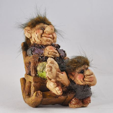 Troll in a Rocking Chair With Child 14cm