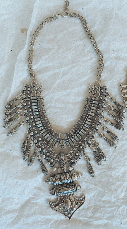 NAPOLEON NECKLACE