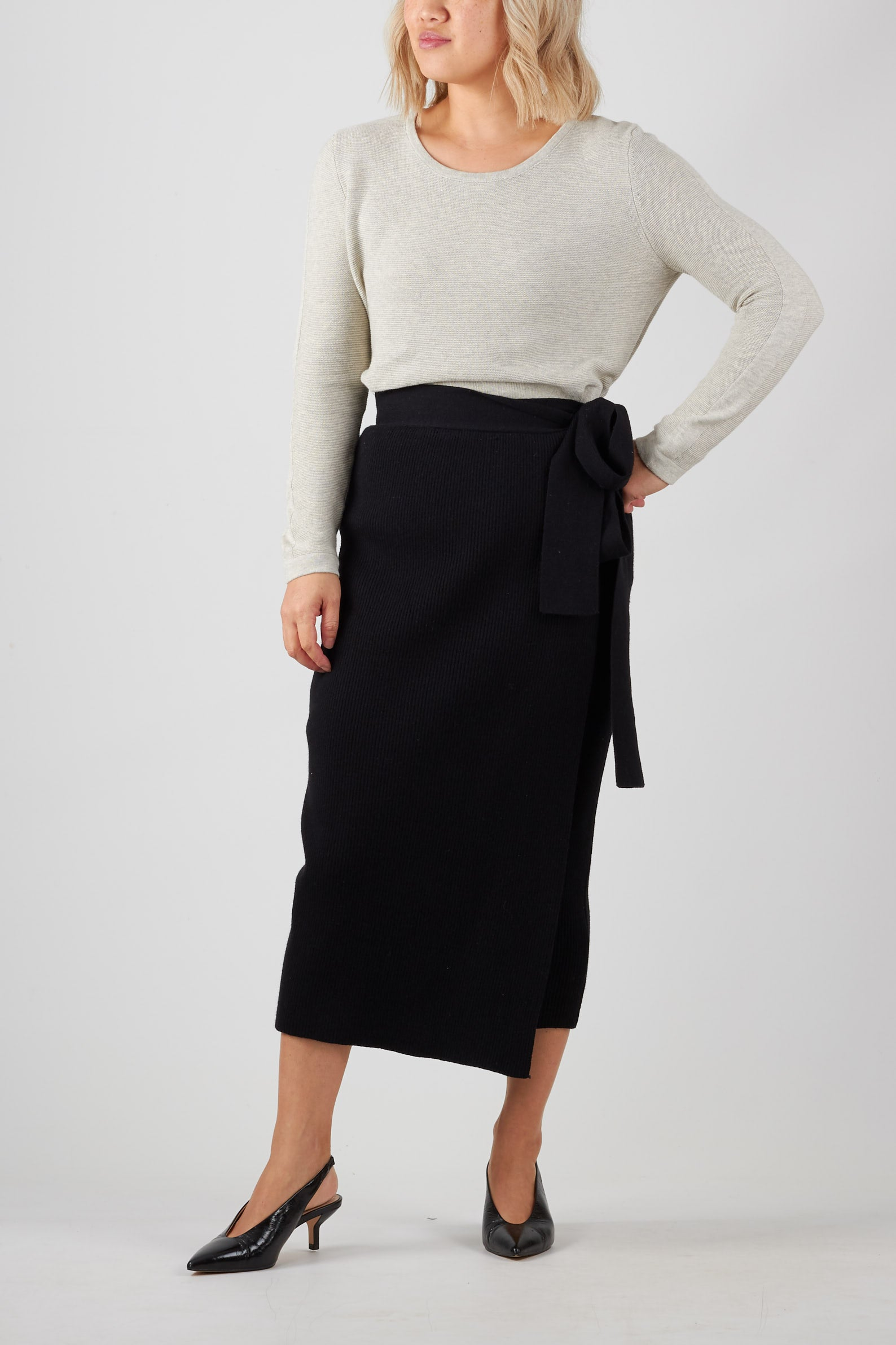 MIA SKIRT- BLACK