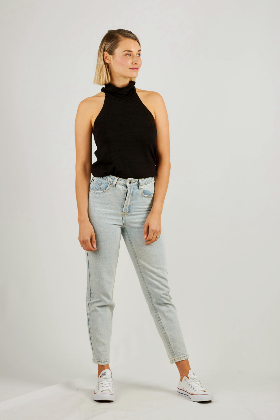 High waisted slim boyfriend jeans