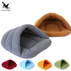 Tailup Fleece Enclosed Bed