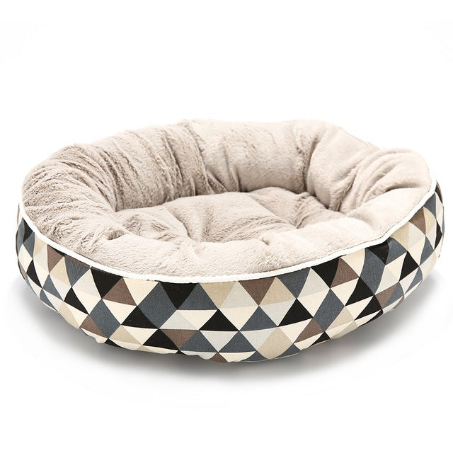 Cooby Triangle Print Bed