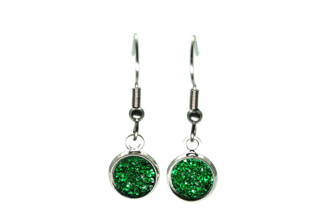 Newborn Feathers 8mm Drop 8mm Emerald Drop Earrings