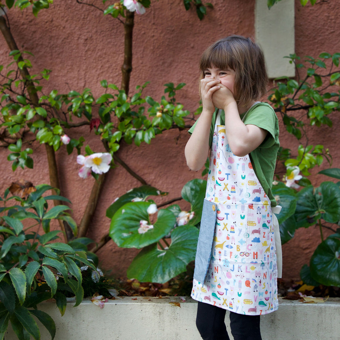 Kids Reversible Rowan Apron - Free Pattern by thread & whisk