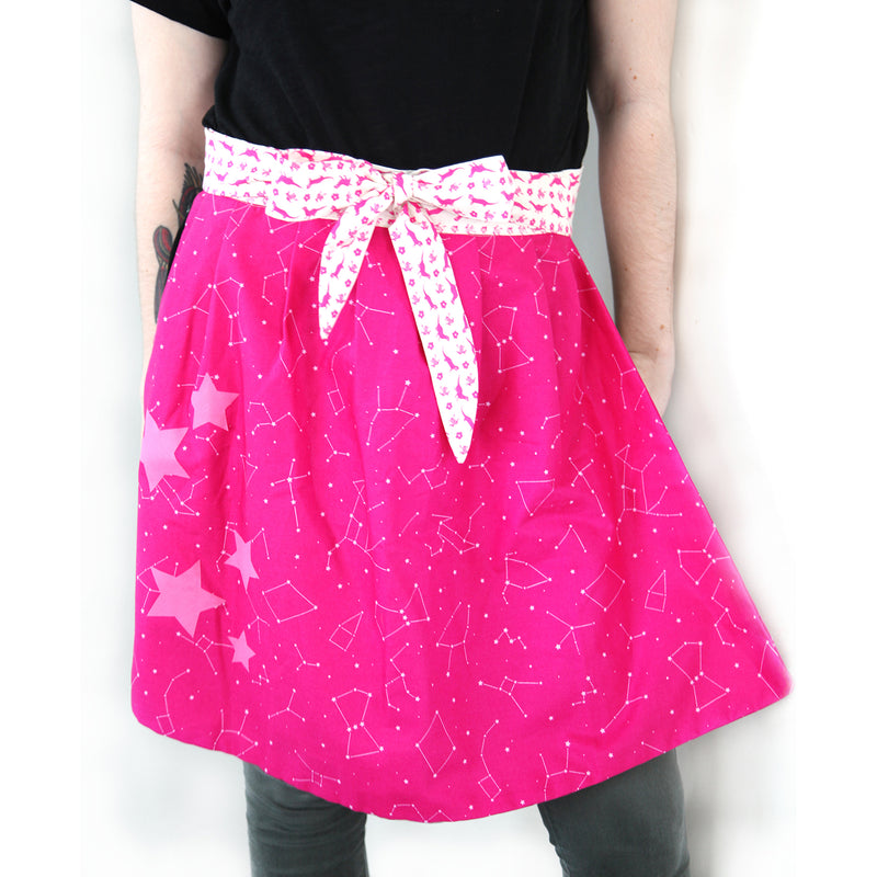 """Retro Star Apron"" Free Pattern by and from Paintbrush Studio Fabrics"