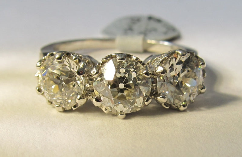 Platinum Ring With 3.30cts In Diamonds, Vs2-si1, F-g. Circa 1920