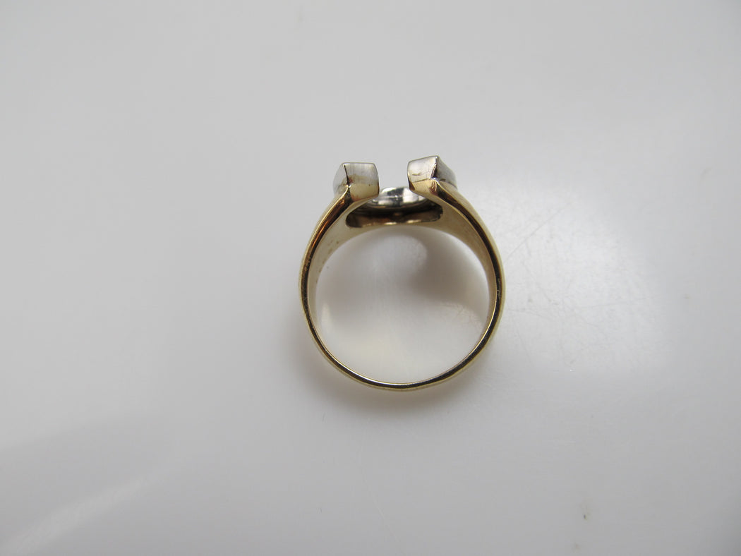 Vintage 14k diamond horseshoe ring