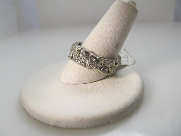 Vintage platinum decorative diamond eternity band