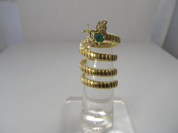 18k coiled ring with a bug